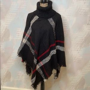 Sweaters - Gorgeous Poncho